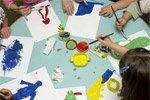kinderen verven in de naschoolse opvang in Mechelen